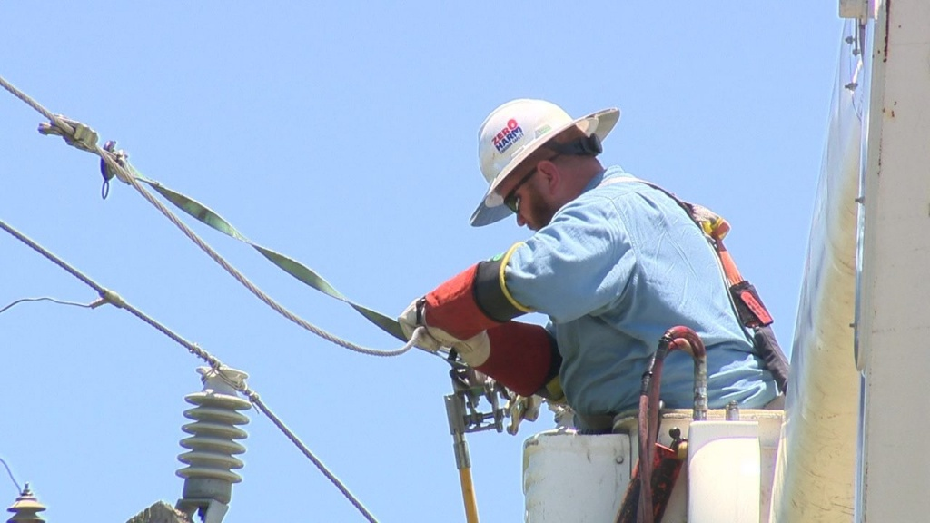 Cps Scrambles To Fix Outages On Hottest Day Of 2019 So Far - Power Outage Map Texas