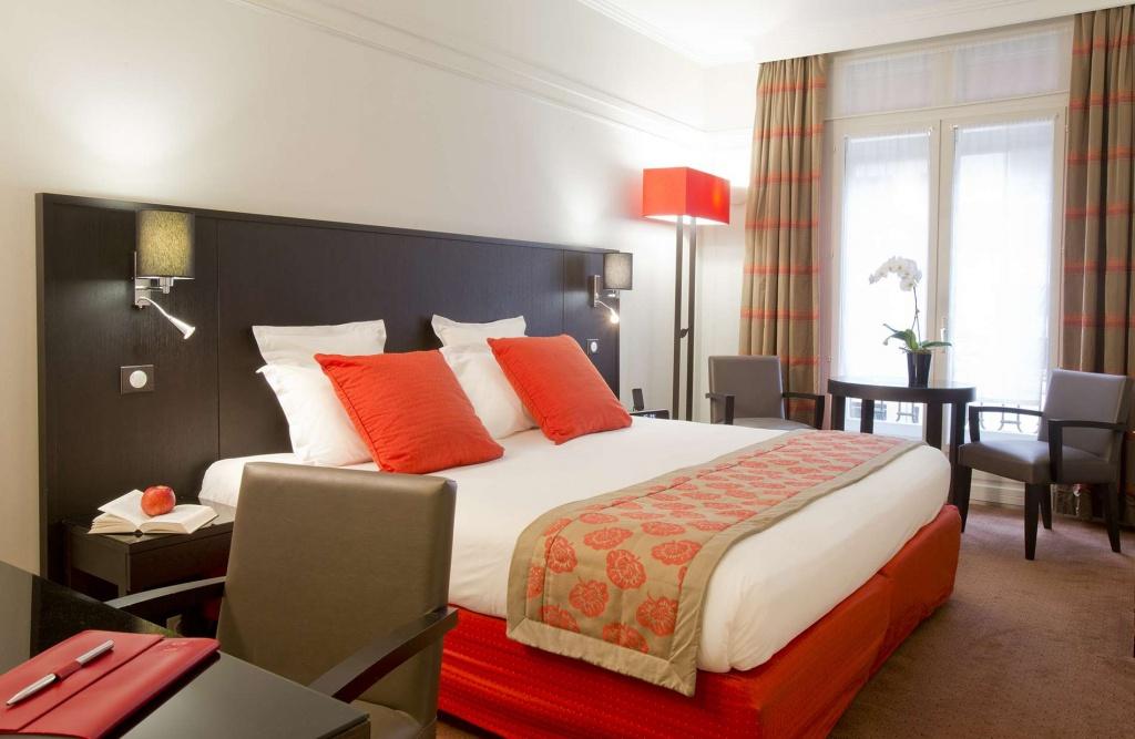 Hotel California Paris - Official Website - Champs-Elysées - Hotel California Paris Map