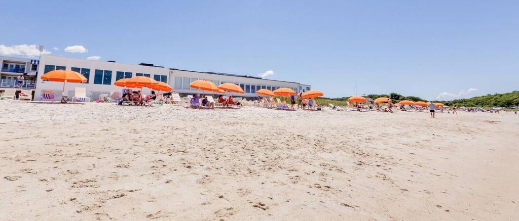 Hotels In Falmouth, Ma | Cape Cod | Sea Crest Beach Hotel - Dod Lodging California Map